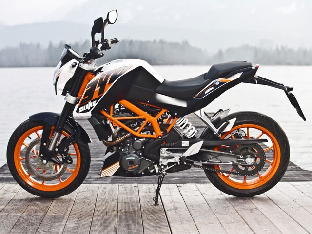 ktm-duke-390-photo-static-16_640x480.jpg