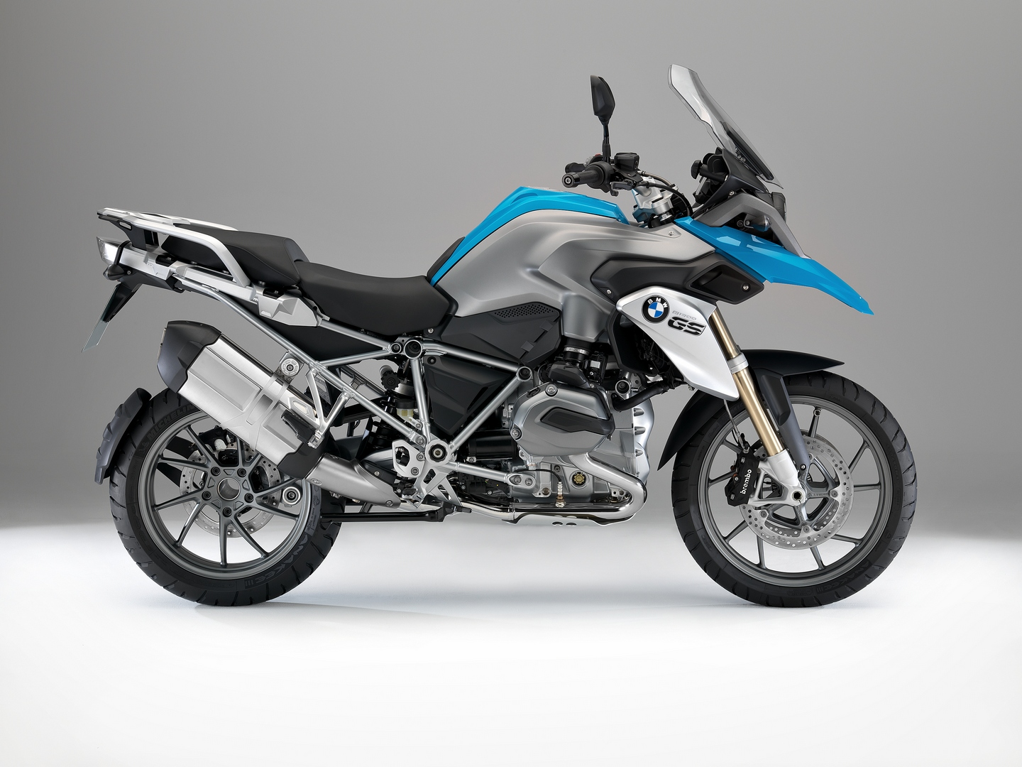 the-liquid-cooled-bmw-r1200gs-receives-good-design-award-75143_1.jpg